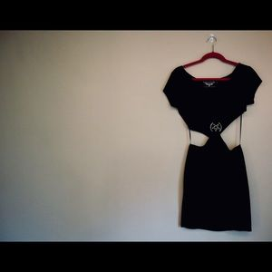 Short Sleeve Velvet CutOut Dress w/ Pentagram